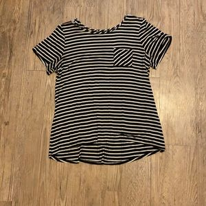 Black and white stripped women's tunic top